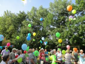 30_2018-08-25__bcba775f___St__Martin_Luftballonsteigen__Copyright_Ursula_Machwitz___Caritasverband_fuer_den_Landkreis_Hassberge_e_V__